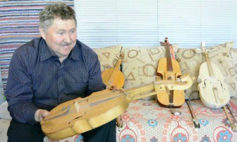 Кубыз<br>Удмуртский трехструнный смычковый инструмент типа скрипки