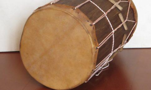 Удмуртский традиционный ударный инструмент – дымбыр (барабан)
